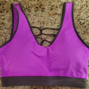 Sports Bra with Looping Back